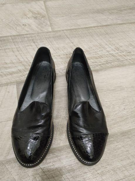 Продам туфли 39размер