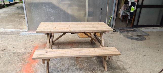 Mesas de jardim de madeira tratada
