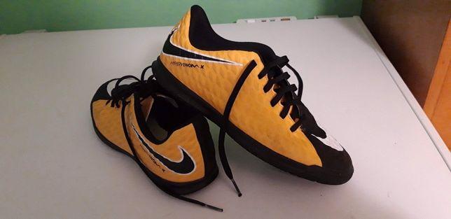Buty sportowe Nike 38,5