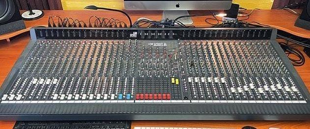 Soundcraft Spirit 8 / 32 Channel Analog Mixer