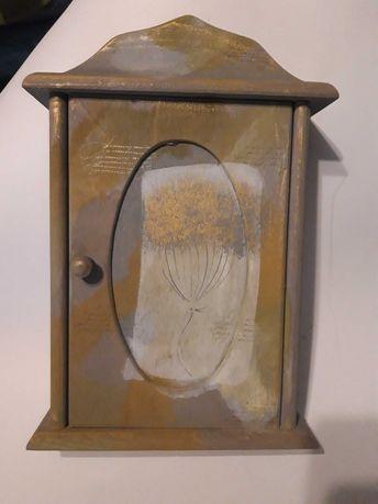 Pojemnik na klucze drewniany