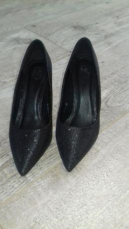 szpilki czarne