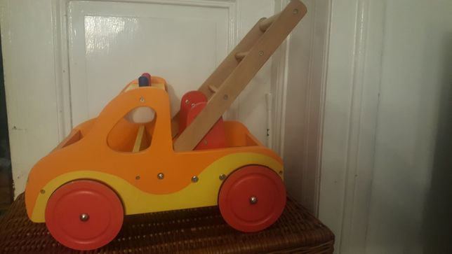 Auto drewniane jezdzik