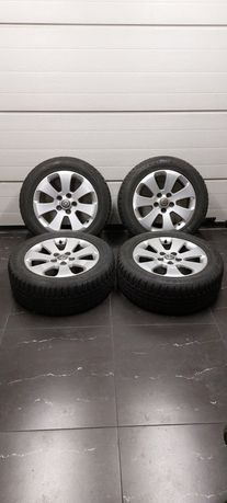 """Felgi aluminiowe Opel  17"""" z oponami zimowymi."""