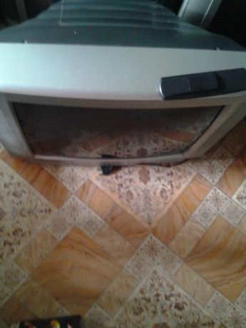 Телевизор Toshiba 72см .