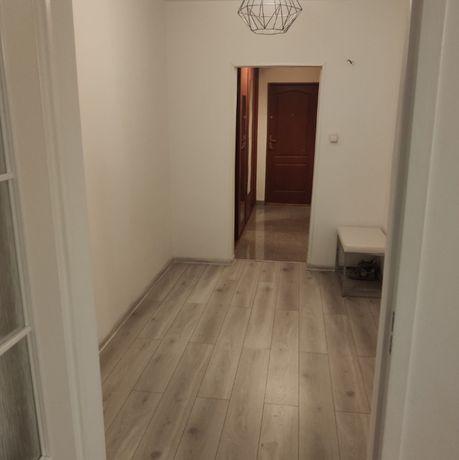 Mieszkanie 3 pokojowe, 72 M2. blok 4 piętrowy.