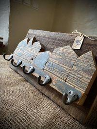 Wieszak z starego drewna Rustykalny wieszak Rękodzieło 23x43 cm