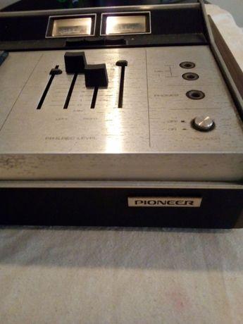 Rádio Pioneer antigo