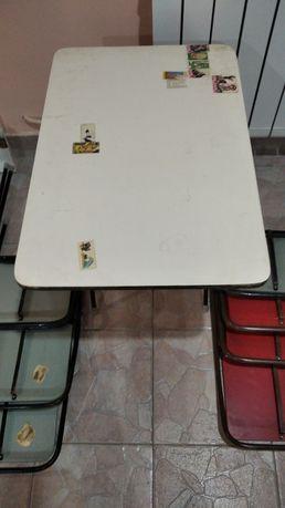 Стулья розскладные и стол