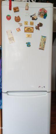 Холодильник 2х камерный Indesit