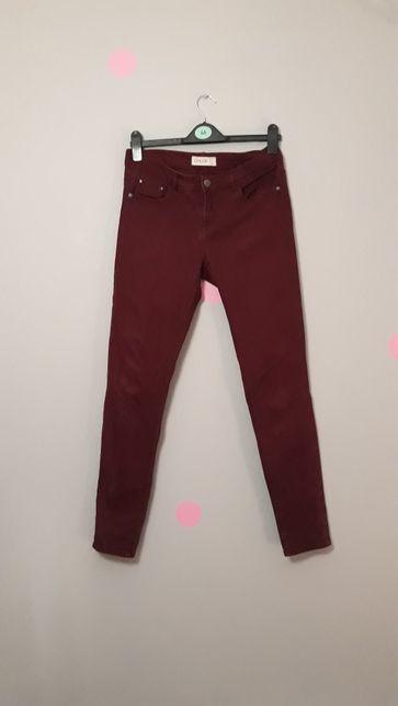Bordowe spodnie jeansowe wyższy stan rozm.L