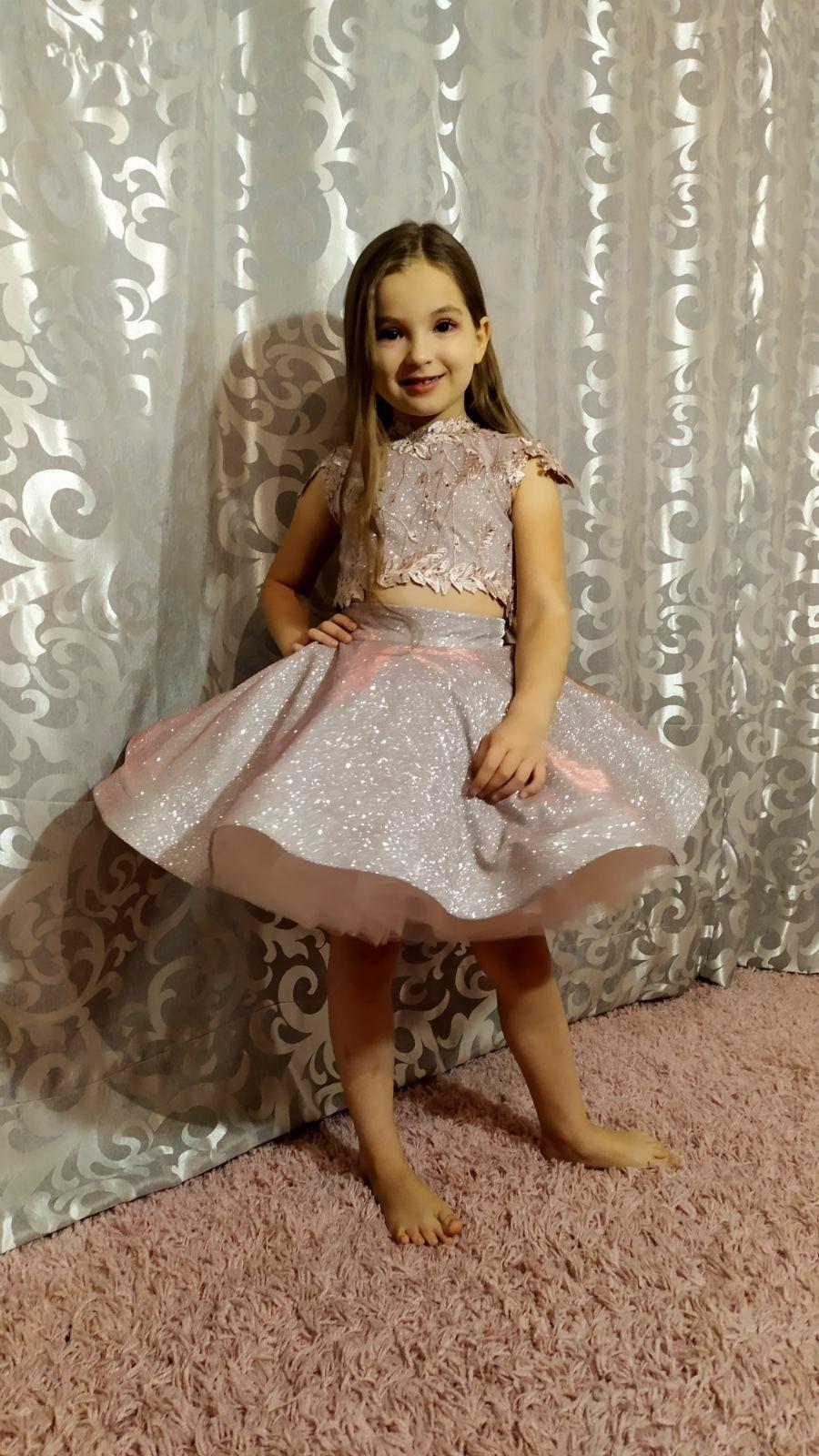 Продам детские нарядные платья!!!