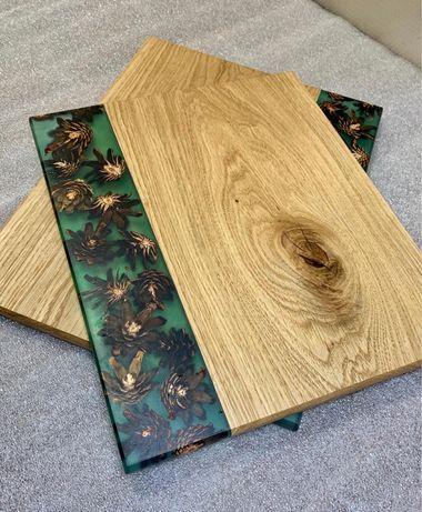 Доска кухонная из дерева и эпоксидной смолы