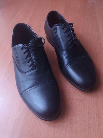 Чоловічі туфлі, чорні, 39 розм.