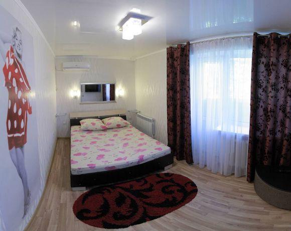 Сдаю посуточно уютную квартиру в центре с 2 отдельными комнатами.