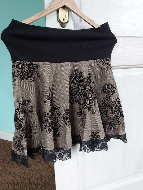 Wyjątkowa spódnica czarno złota aksamitna