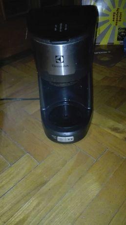 Ekspres do kawy Electrolux 100%sprawny bez dzbanka