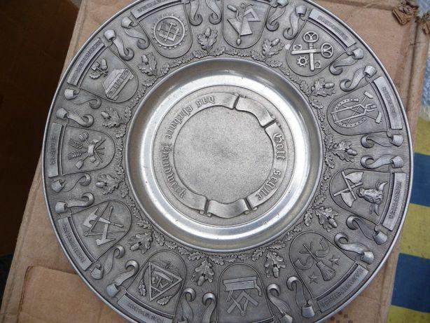 Тарелка настенная интерьерная с гербами, олово, Германия