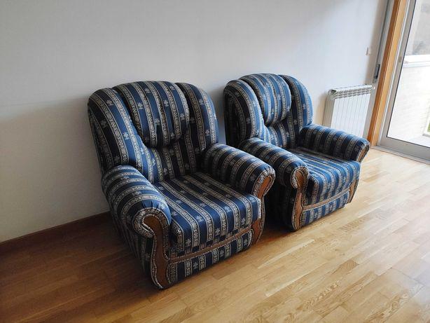 Conjunto de 2 poltronas + sofá em ótimo estado.