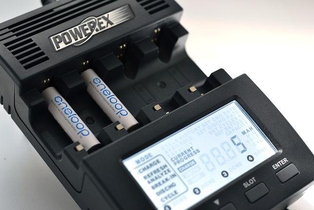 Зарядное устройство Maha Powerex MH-C9000, 4 независимых канала