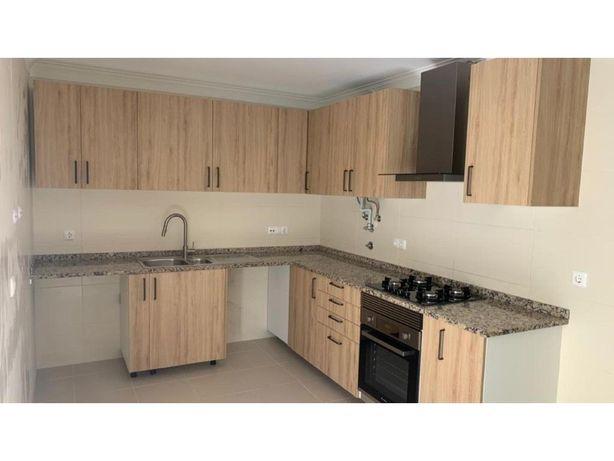 Excelente Apartamento T3 com Terraço localizado no Pinhal...