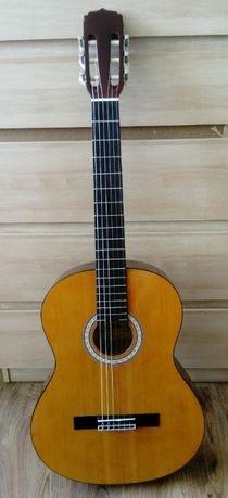 Sprzedam gitarę akustyczną 6-strunową Aria AKN-15 + pokrowiec gratis!
