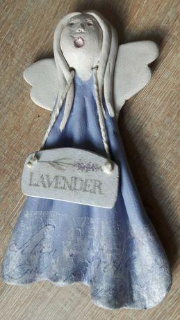 Aniołek ceramiczny ręcznie wykonany.
