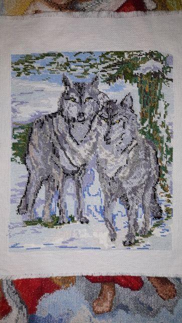 Волки зимой вышивка вышитая крестиком картина ручная работа
