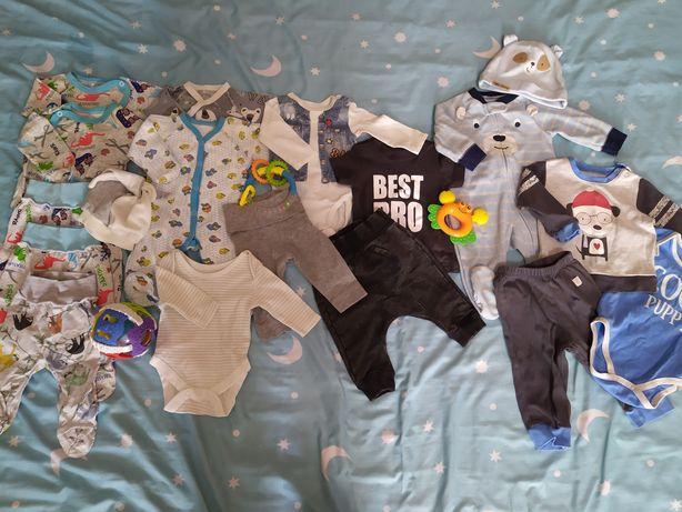 Одежда для малышей H&M, Carter's.