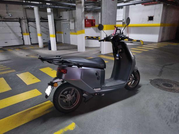 Scooter Ecooter E2R 4KW Elétrica (equivalente 125cm3)