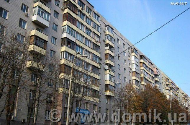 Продам 4-хкомн. квартиру в Печерском р-не, ул. Алмазова( Кутузова 14)