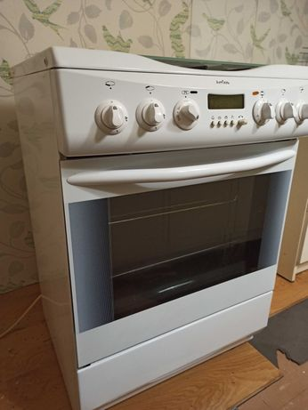 Piekarnik elektryczny z płytą gazową Amica
