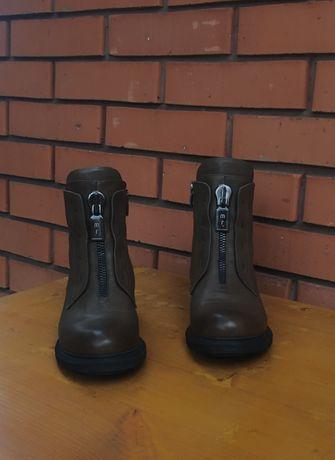 Женские сапожки, обувь