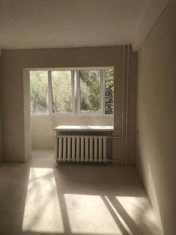 Продается 4х ко квартира. Артема, напротив посадки. Второй этаж.