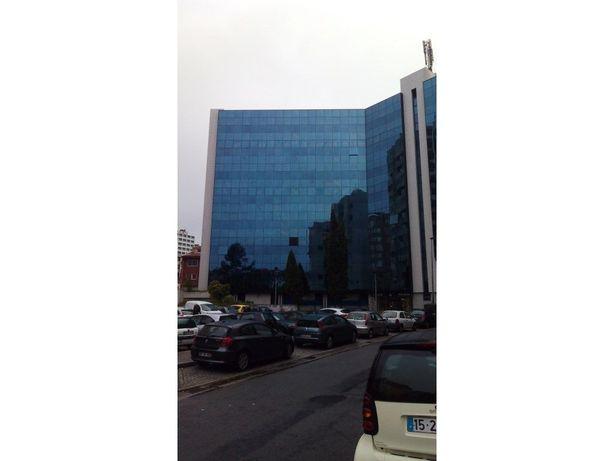 Escritório Mota-Galiza para arrendamento no Porto