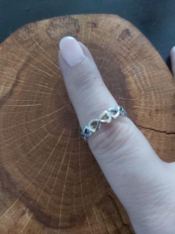 Pierścionek Pandora TT z symbolami nieskończoności nieskończoność  52