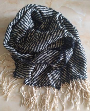 Стильный шарф Унисекс