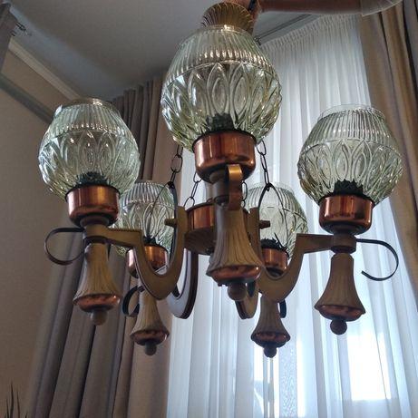 Отличная люстра на 5 лампочек!