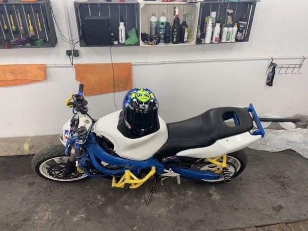 Honda CBR 600 F4i Sport STUNT