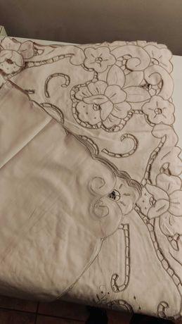 Vendo Conjunto: Toalha de Algodão bordada à mão + 12 Guardanapos