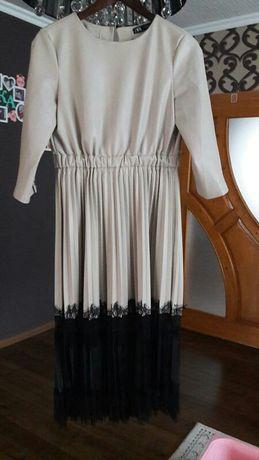 Дуже гарне плаття еко шкіра, гіп'юр, атлас  Zara