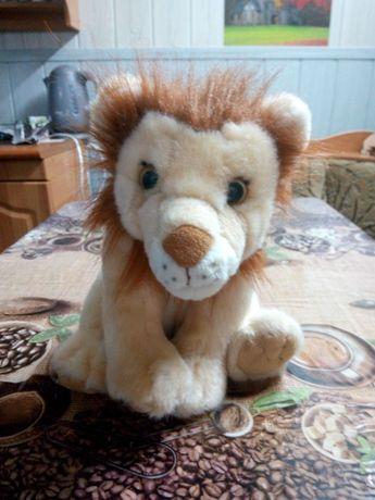 Продаю мягкую игрушку со звуком - львёнок