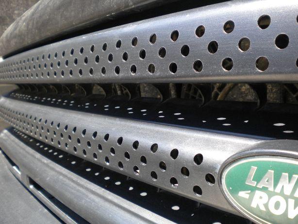 Molde Furação da Grelha Discovery 300 / TD5 e Range Rover P38