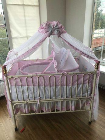 Дитяче ліжечко-трансформер з люлькою