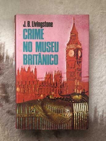 Livro crime no museu britânico em segunda mão.
