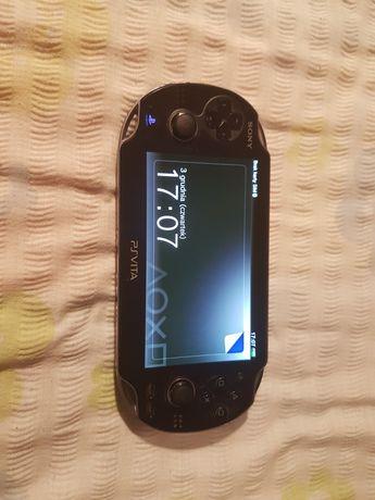 Ps Vita pierwszy model 8 GB pamięci + ładowarka