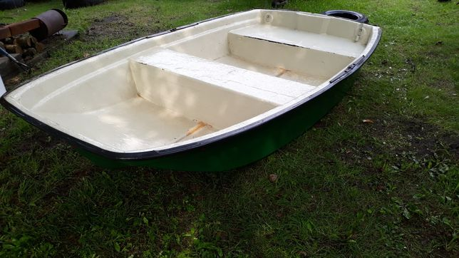 Bardzo szeroka.Dł.2,55mX1,43m. Łódka,łódź wędkarska