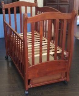 Кроватка детская Соня ( Верес) с маятниковым механизмом