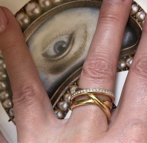 Золотое кольцо в стиле Cartier