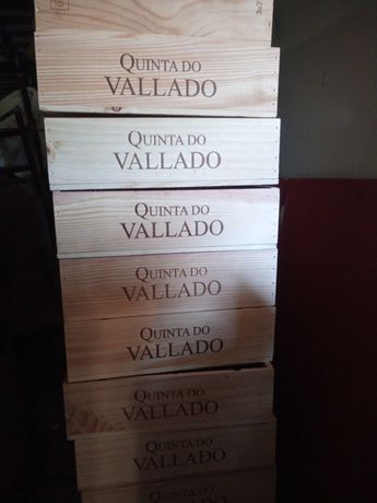 Caixa de vinho em madeira